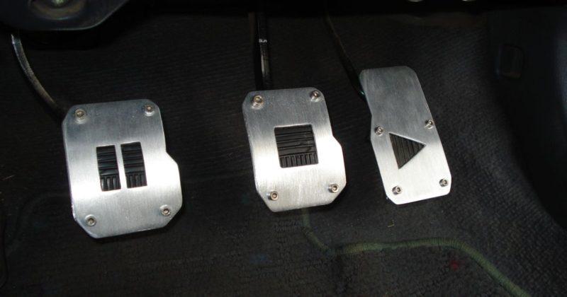 Педали переключения в автомобиле